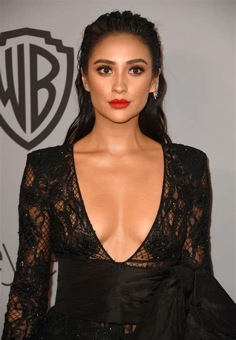 shay mitchell  instyle  warner bros golden globes  party  los angeles