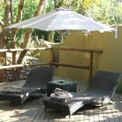 Sonnenschirm Kleiner Balkon : durch sonnenschirm balkon und garten vor der sonne schonen ~ Michelbontemps.com Haus und Dekorationen