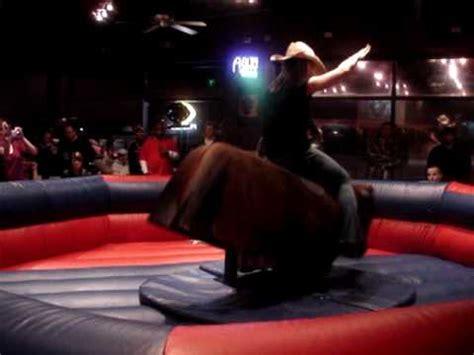 mechanical bull riding  bar chicago illinois western