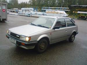 1986 Mazda 323 - Pictures