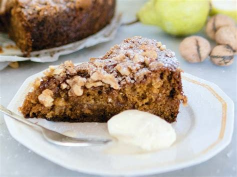 One Pot Spiced Pear andCake with Walnut Crumble