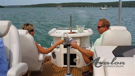 Luxury Pontoon Boats With Bar by 2013 Pontoon Boats Avalon Luxury Pontoon Boats Deco