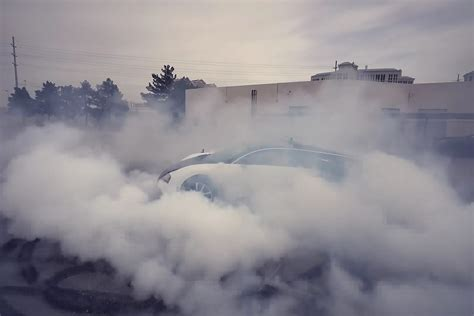 Missed out on our story about the search for the legendary la voiture noire? Bugatti Veyron burnout! | Bilmagasinet.dk
