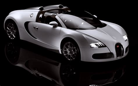The cars designed and manufactured by bugatti became well known for both their beautiful design and for the races they won. White Bugatti Veyron Car Wallpapers HD / Desktop and Mobile Backgrounds