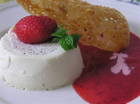 comment cuisiner du potimarron panna cotta coulis de fraises tuiles d 39 amandes
