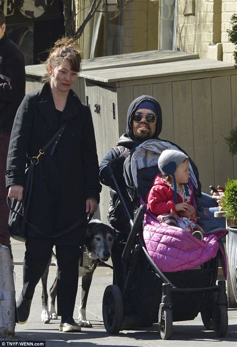 game  thrones peter dinklage   family