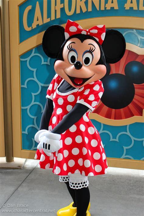 minnie mouse disney wiki