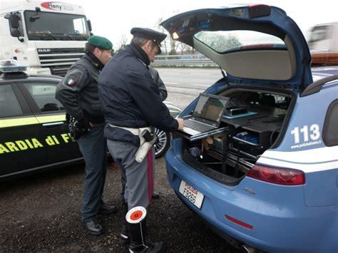 polizia stradale napoli ufficio verbali incidenti d auto tra autisti deceduti 68 persone