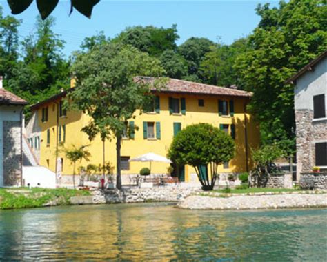 Volta Mantovana Cap by Agriturismo Lago Di Garda Volta Mantovana Vacanze Nel