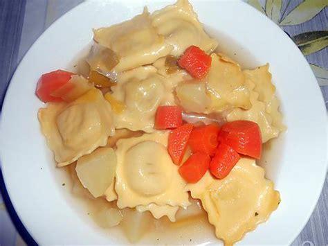 plat cuisiné regime recette de bouillon de raviole comte et fines herbes et