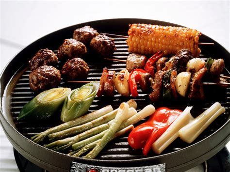 food on grill 10 grilling safety tips fn dish food network blog