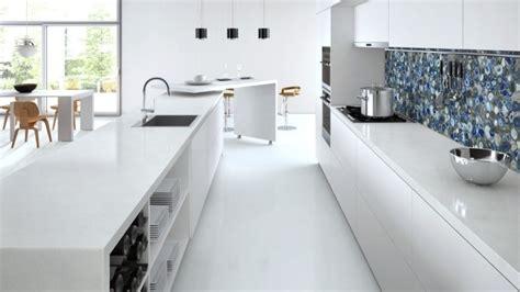 plan de travail en quartz pour cuisine plan de travail cuisine en blanc quartz ou corian