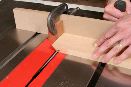 cut splines  box corner miter joint woodworking