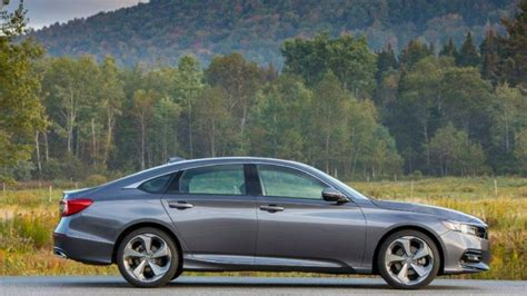 Best Large Sedans by The End Of Sedans As We It Not So Much Chicago Tribune
