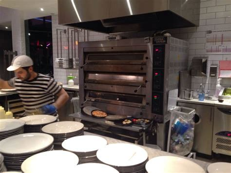 Kitchen Express Brentwood Phone Number by Pizza Express Wembley Designer Outlet Restaurant