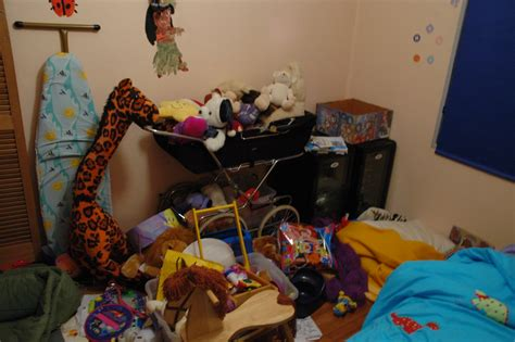 louise thinks  house  messy yeah