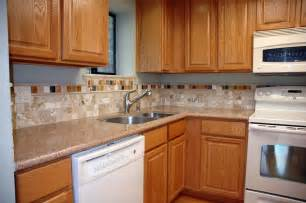 Kitchen Backsplash Pictures With Oak Cabinets by Kitchen Backsplash Ideas With Oak Cabinets Indelink