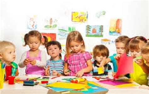 at what age does a child start preschool what is the ideal age for child to start day care and why 167