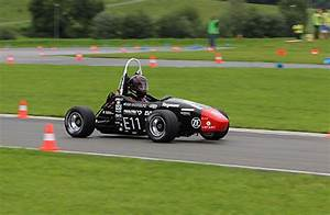 Electro Racer Made Easy: The Young Engineers of Formula ...