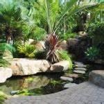 pots de fleurs bacs et jardinieres 62 idees elegantes With idees amenagement jardin exterieur 11 ipomee plantation taille et entretien