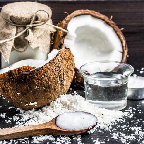 huile de coco en cuisine les vertus de l 39 huile de coco