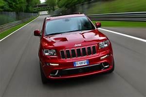 Prix Jeep : jeep grand cherokee srt pictures auto express ~ Gottalentnigeria.com Avis de Voitures