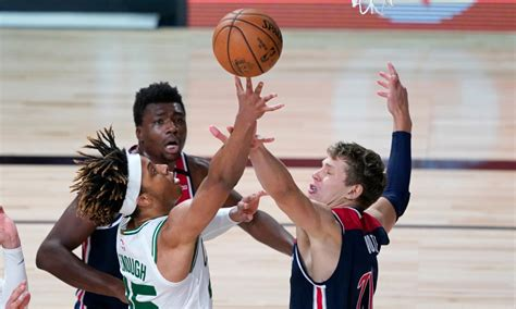 Romeo Langford hooks his fellow Celtics up with boomboxes