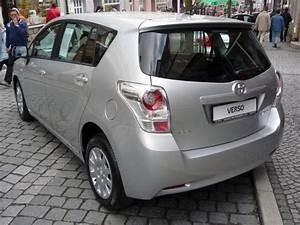 Voiture Familiale Occasion : toyota verso la voiture familiale 7 places hybride ~ Maxctalentgroup.com Avis de Voitures