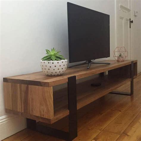 Rustic Entertainment Unit   Lumber Furniture