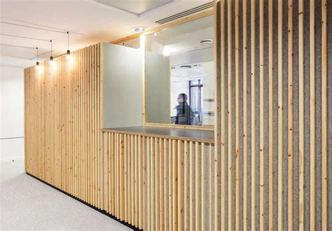 Habillage Mur Interieur Bois Cr 233 Er Des Cloisons Et Habiller Les Murs Avec Des Tasseaux