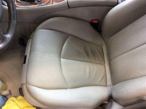 nettoyage siege cuir voiture nettoyage des cuirs voiture à bordeaux clean autos 33