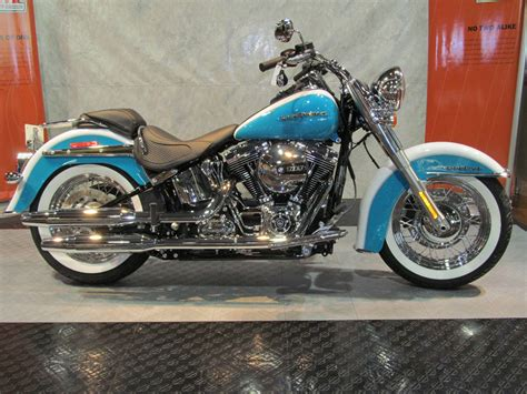 Harley-davidson Softail Deluxe Wallpapers And Background