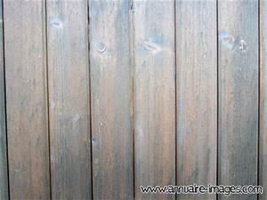 Planche De Bois Vieilli : photo planches lambris vieilli formant un bardage ~ Mglfilm.com Idées de Décoration