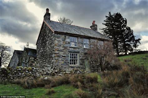 casa abandonada  descoberta congelada  temponoctula