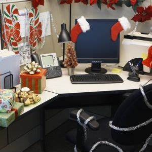 30 best fice Desk Christmas Decor images on Pinterest