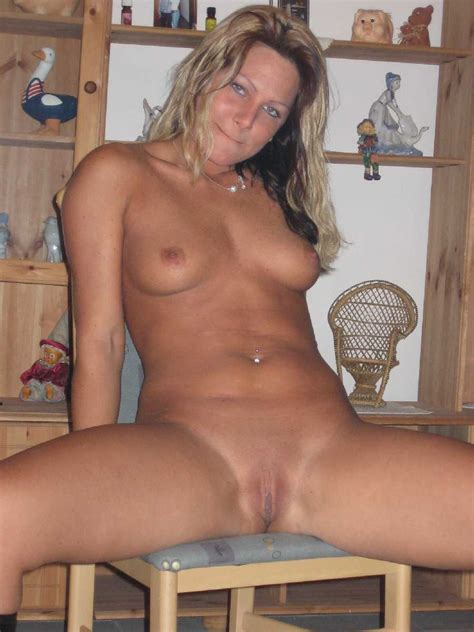 Hot Milf From Bikini To Being A Real Naked Mom