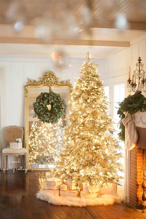 classic color themes   christmas tree