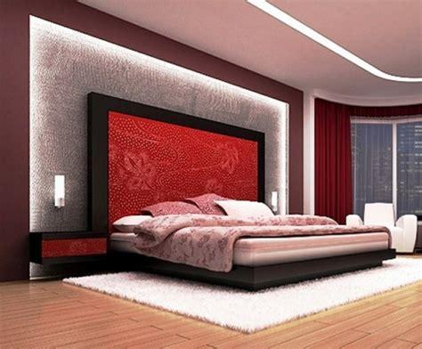 Wandgestaltung Schlafzimmer Beispiele by Hoher Kopfteil Des Bettes Graue Textil Gestaltung Im