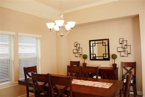 Dining Room Light Fixture Distance From Table #3337
