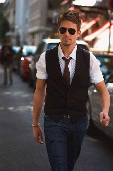 Black casual vest for men   Mens Suits Tips
