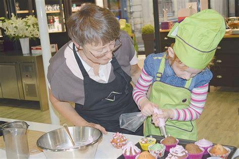 cours cuisine pour enfants la cuisine un jeu pour parents et enfants la croix