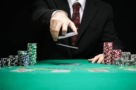 What Playing Russian Poker Taught Me About Putin