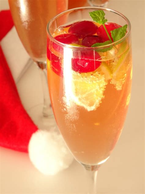 sparkling christmas cosmo cocktail sparkling cosmo cocktail recipe