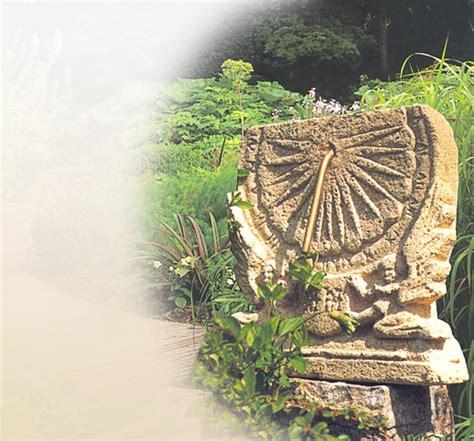 Sonnenuhren Für Garten by Antike Sonnenuhren Historische Sandsteinsonnenuhren