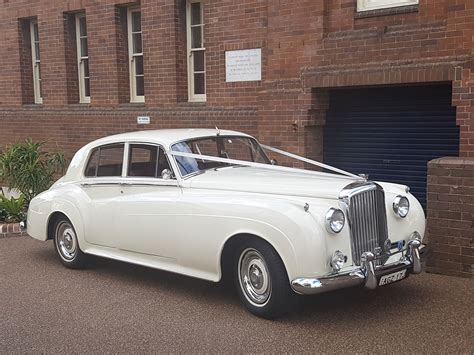 Silver Cloud 1750x984 Wedding Car Hire London