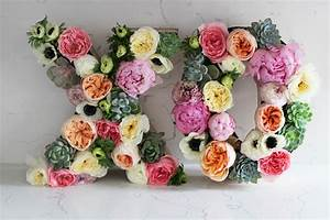 Diy floral letters honestlyyum for Letter flower arrangements