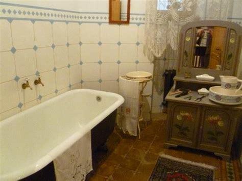 salle de bain nouveau salle de bains picture of musee nouveau riga tripadvisor
