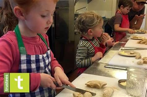 ipswich shore kid and family in massachusetts 393 | appleton farms preschool kitchen