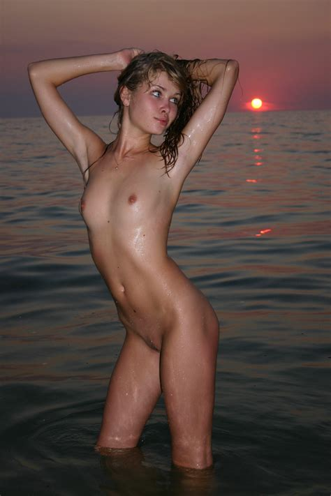 Amazing Young Nude Teen Picture 51 Uploaded By Mistinguette On