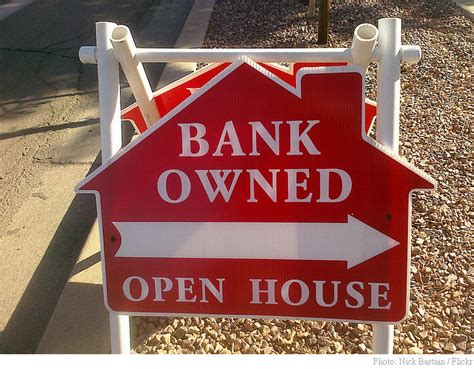 mortgage collectors gag homeowners  loan deals